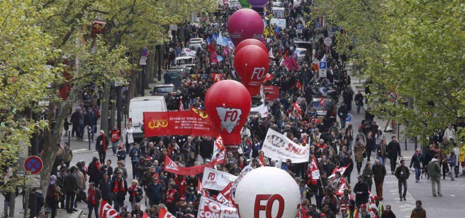 2016-04-28t151313z_1599405218_lr1ec4s169q4q_rtrmadp_3_france-protests_1_0