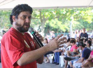 Renê Munaro durante assembleia da categoria