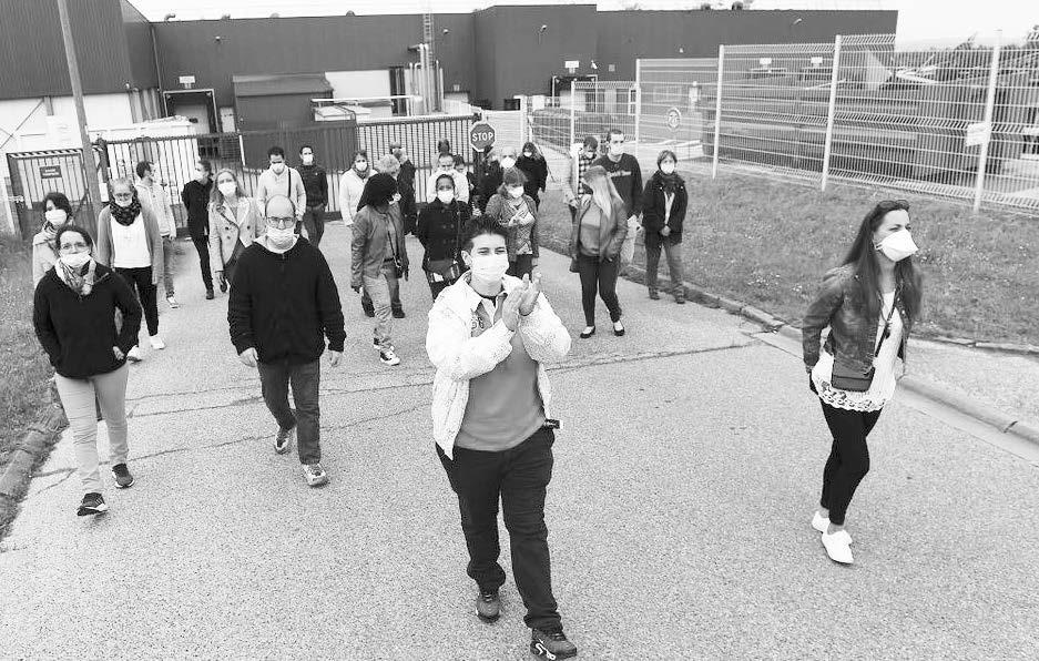 Na indústria de alimentos Hafner, trabalhadoras fizeram manifestação contra o fechamento de uma fábrica e sua transferência em plena pandemia!